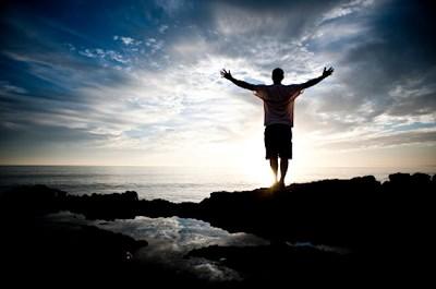 La creencia, la vida, el intelecto, la descendencia y la propiedad son esenciales para una vida completa