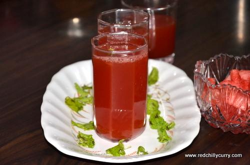 El sharbat es la primera bebida refrescante no alcohólica que se comercializó y que también se hacia en casa