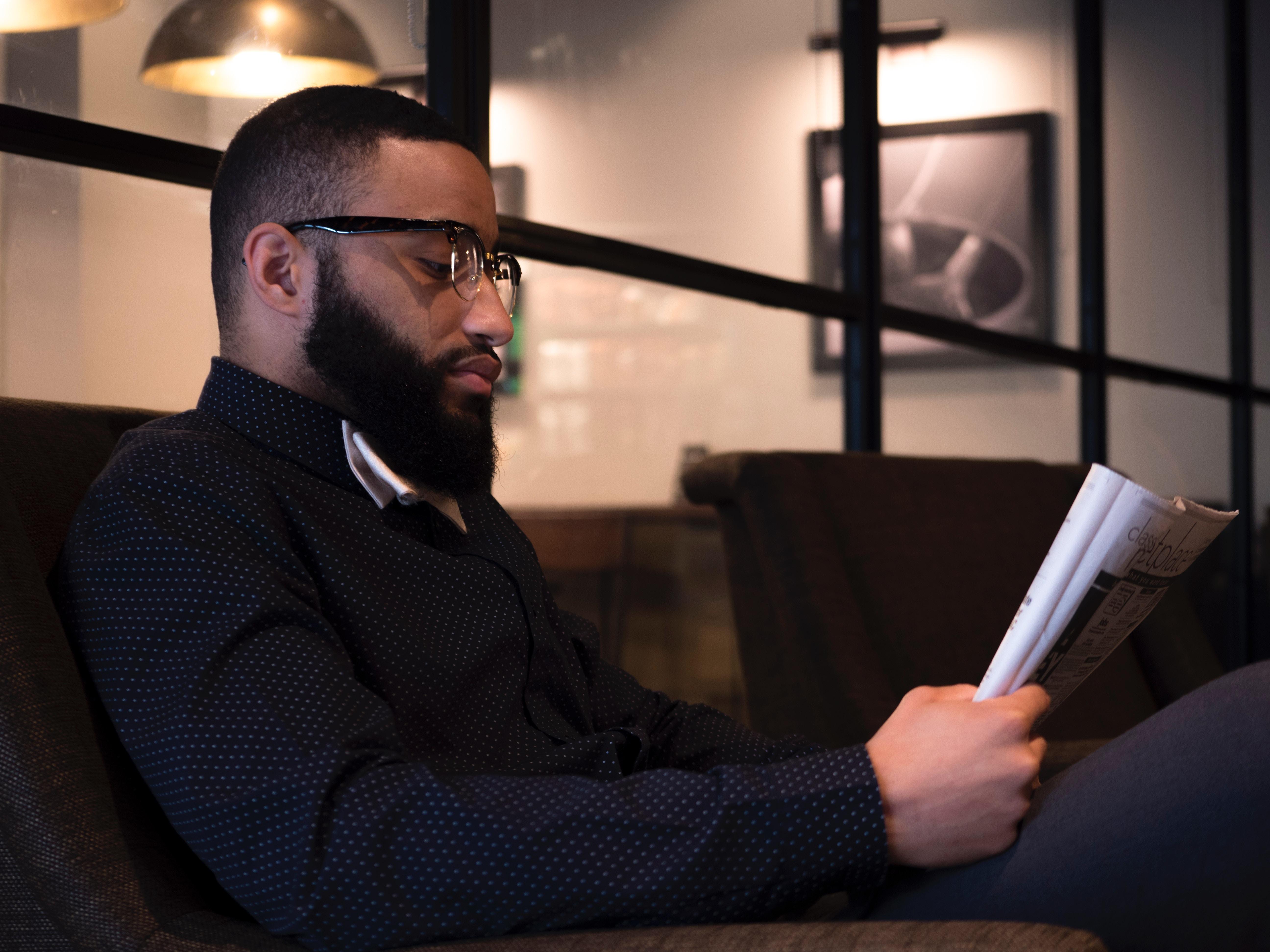 El uso del intelecto en el Corán enfatiza que este debe usarse para adquirir conocimiento y relaciona esto con obtener una creencia correcta