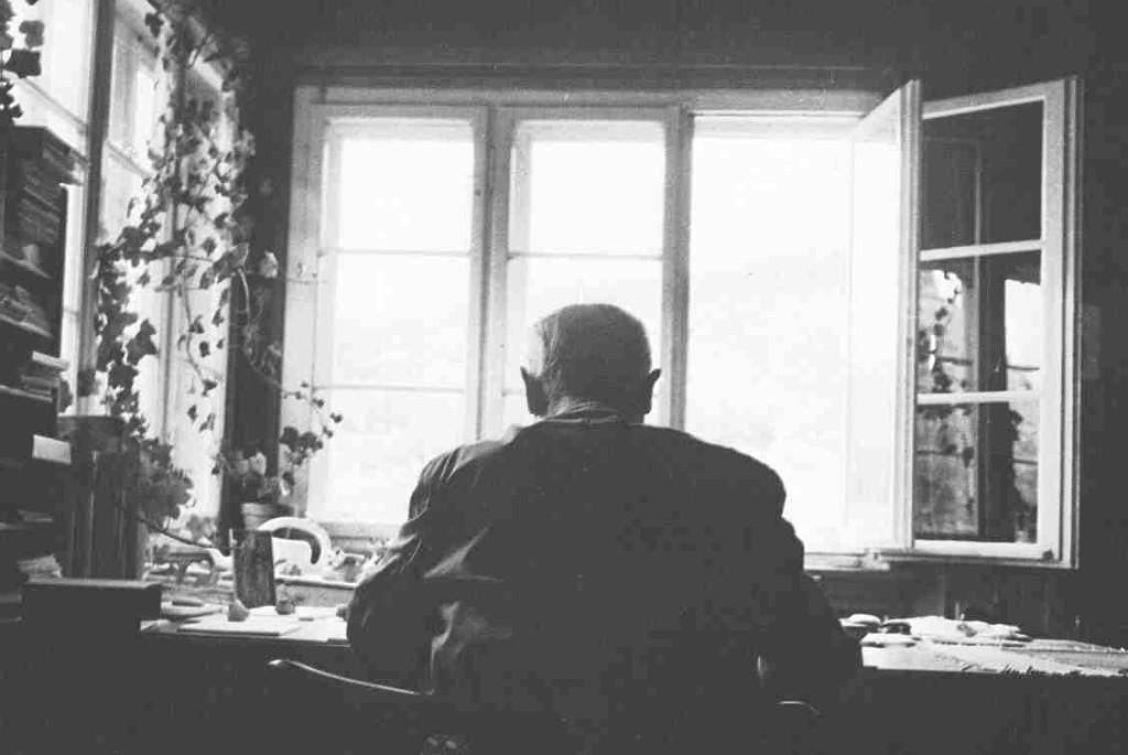 Primero, debemos saber qué esperar como musulmanes de estudiar a Heidegger. Heidegger no era musulmán, por lo que no estamos buscando respuestas sobre qué es el Islam.
