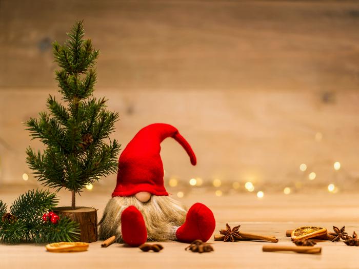 La celebración de navidad como se hace hoy en día, es una agregación de costumbres culturales para satisfacer un necesidad cultural, no un hecho histórico.